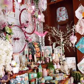 🌷New window🌺 . . Spring is in the air 🌼🌄 Η άνοιξη ήρθε και είπε να κάνει μια στάση στο βιβλιοπωλείο μας! 😍 Την Δευτέρα 5 Απριλίου, ανοίγουμε ξανά την πόρτα μας και σας υποδεχόμαστε με νέα βιτρίνα και ολοκαίνουργια πασχαλινά είδη! 🐣🐰 Με ανανεωμένη διάθεση και με πολλά χαμόγελα σας περιμένουμε στο αγαπημένο σας στέκι!💜 . . 🌐www.psaltou.com 🌈 . . #new #newin #newwindow #springwindow #springishere #springeverywhere🌸🌿🌼 #springwindow #easterwindow #easter #easter2021 #easterstuff #easterdecor #eastergifts🐇 #easterdecoration #easterbunnies #easterflowers #bookstore #psaltoubookstore #psaltou #eshop #eshopping #shoppingonline #shopnow #shopnow🛍 #shopfromhome